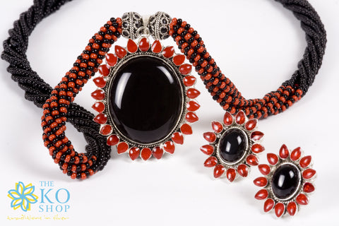The Avantika Silver Necklace set