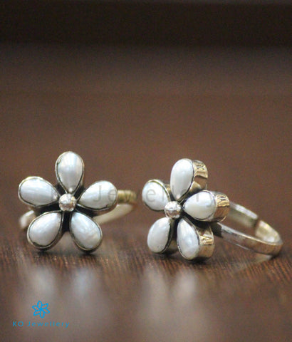 The Arpita Silver Toe-Rings (Pearl)