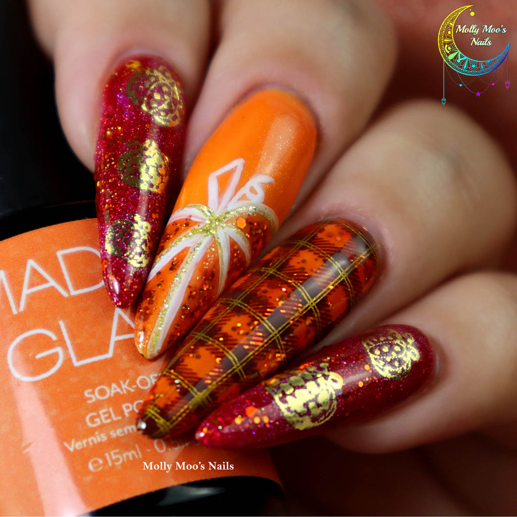 Pumpkin Nails: The Centerpiece of Thanksgiving Dinner