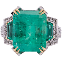 Vintage Ladies 13.0 Carat Emerald Ring in 18k Gold with Diamonds