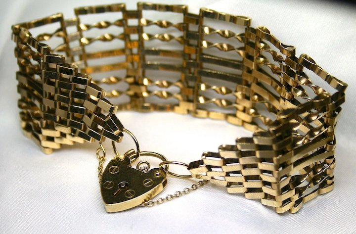 1950s Hand Crafted English 9k Gold Bracelet with Locking Clasp