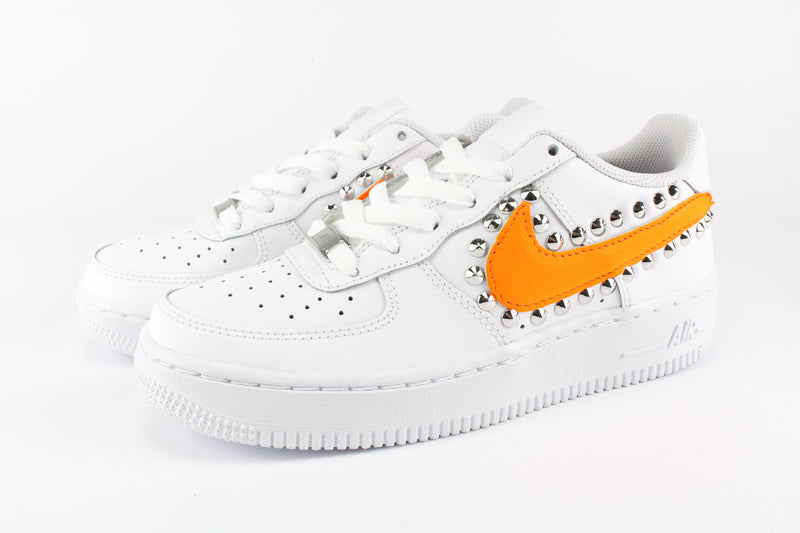 Nike Air Force 1 '07 Orange Fluo & Borchie
