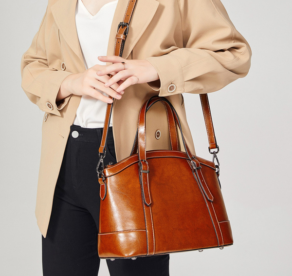 SXIN882 Oil Waxed Handbag Light Brown