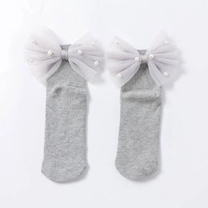 Bow and pearls socks