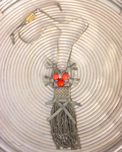 Load image into Gallery viewer, Palmar Metallic Linen Necklace - Coral