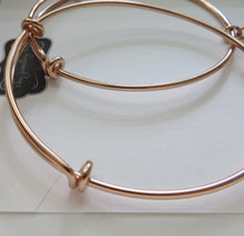 Load image into Gallery viewer, Mother daughter jewelry, rose gold heart bangle bracelet, birthday gift for mom, pink, heart disk, mother daughter gift, expandable - RayK designs