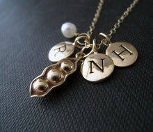 Load image into Gallery viewer, Personalized mom necklace, three peas in a pod & initial necklace, birthday gifts, mother of three children, 3 kids, initial charm, monogram