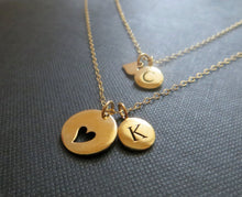 Load image into Gallery viewer, personalized mother daughter necklace, mother daughter initial jewelry, heart cutout charm, mother daughter gift, letter disk