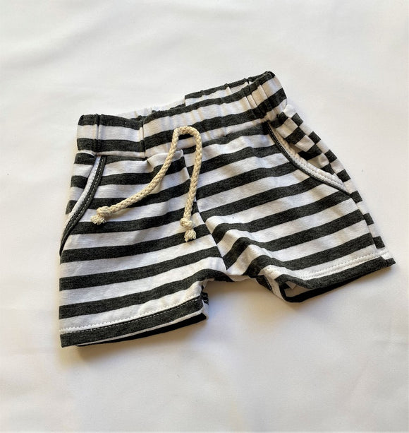 Blumenkind Shorts in Charcoal Stripe