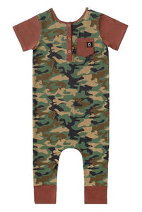 Rags to Raches Short Sleeve Henley Pocket Capri Rag in Camo