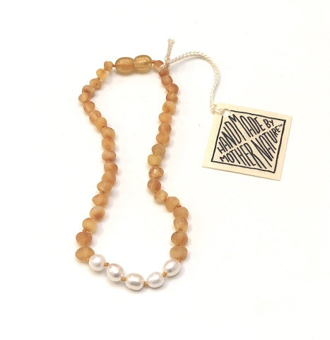 Canyon Leaf Baltic Amber Necklace - Raw Honey + Pearl