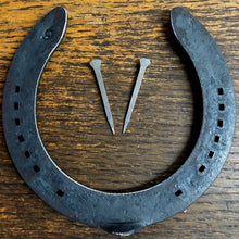 Load image into Gallery viewer, 1-100 New Real Horseshoes + Horseshoe nails to fix door Wedding good luck, Craft - Farriers Equipment