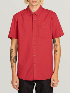 Everett Oxford Short Sleeve Shirt In Burgundy, Front View