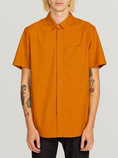 Everett Oxford Short Sleeve Shirt In Camel, Front View