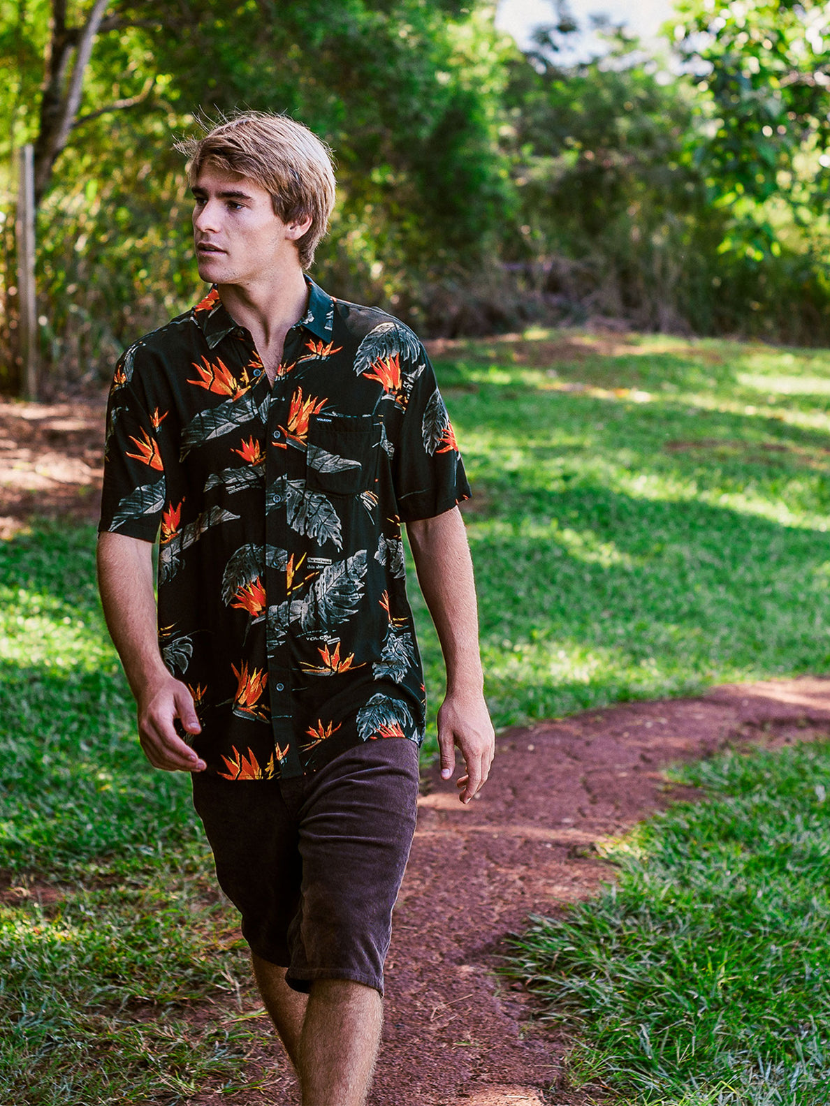 Floral Erupter Short Sleeve - Black (A0432001_BLK) [48]
