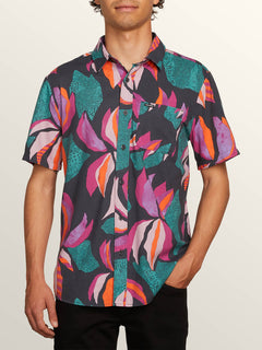 Garden Floral Short Sleeve Shirt In Asphalt Black, Front View