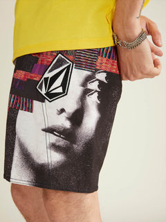 Noa Noise Mod Boardshorts In Black, Second Alternate View