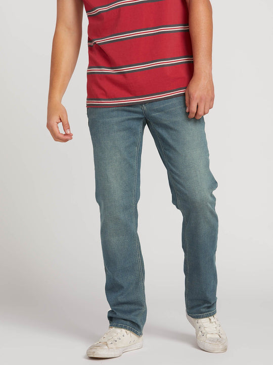 Solver Modern Fit Jeans In Dirt Track, Front View