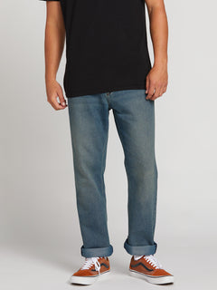 Kinkade Regular Fit Jeans In Road Sky, Front View