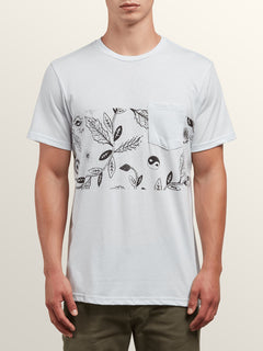 Sea-weed Short Sleeve Pocket Tee In White, Front View