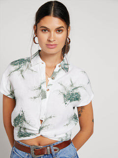 Tropi Twist Short Sleeve Shirt In White, Front View