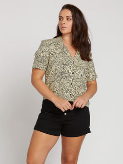 Gen Wow Short Sleeve Shirt In Leopard, Front Extended Size View