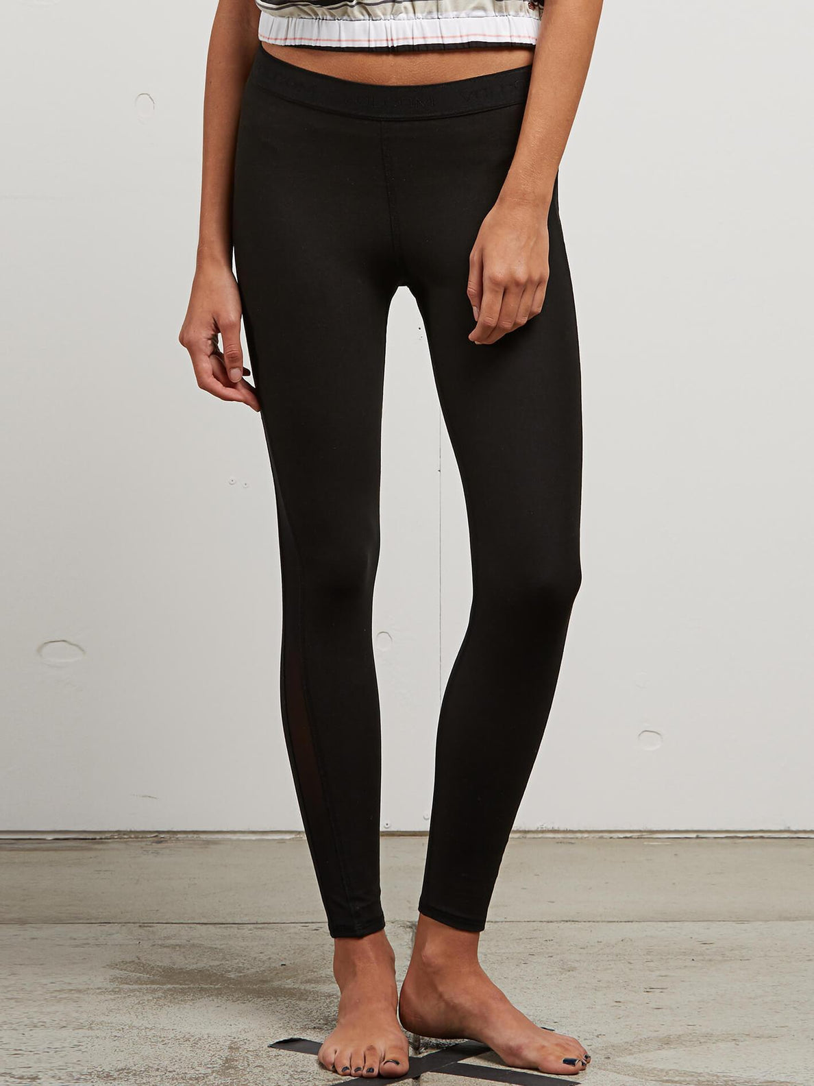 Lived In Lounge Leggings In Black, Front View