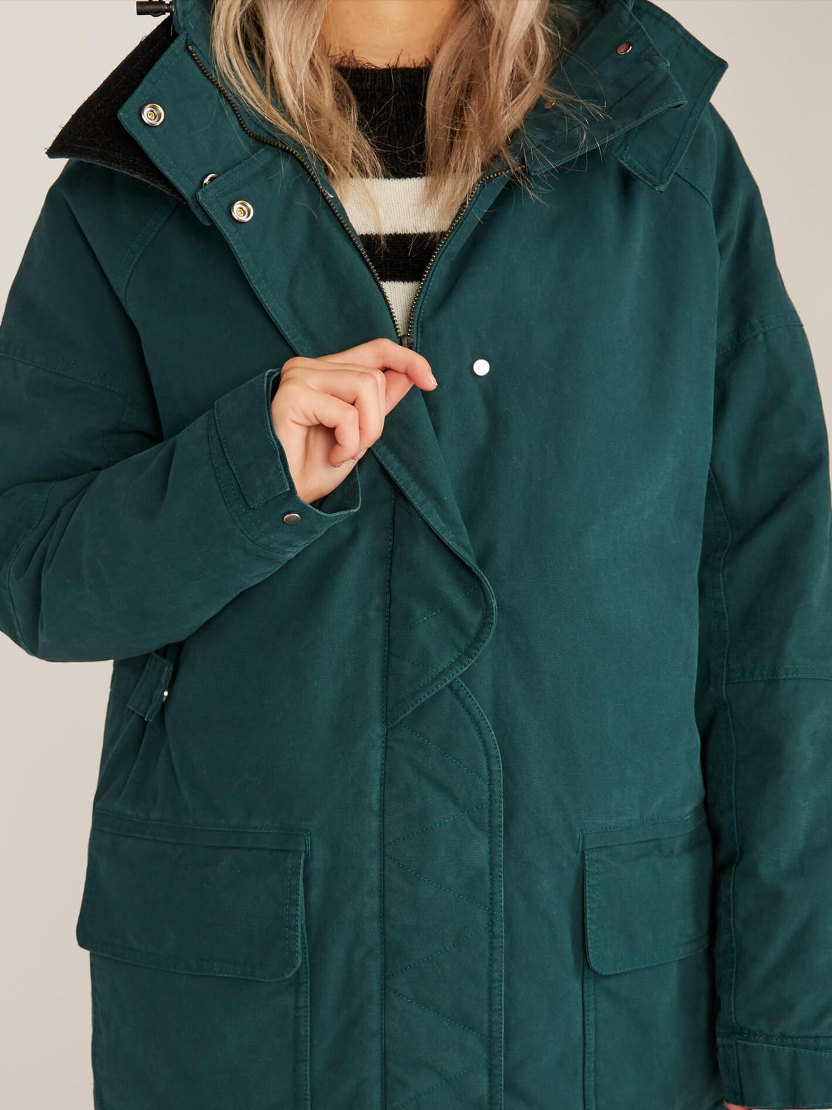 Volcover Parka In Evergreen, Third Alternate View