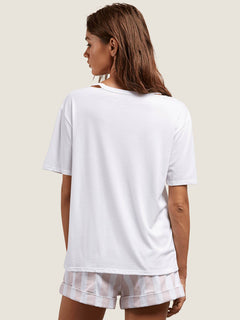 Steezy Breeze Tee In White, Back View