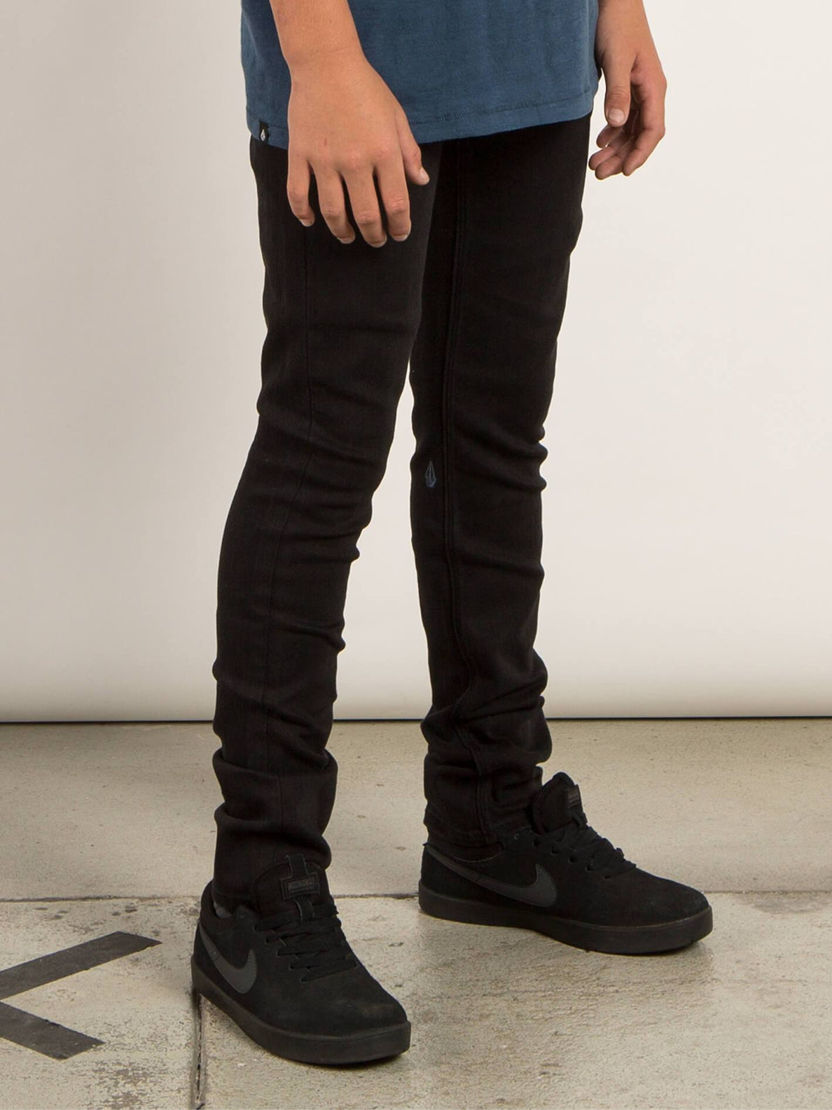Big Boys Solver Modern Tapered Jeans In New Black, Alternate View