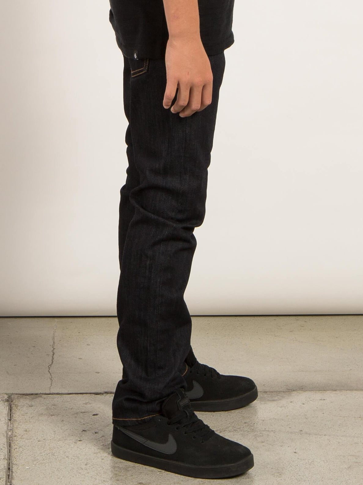 Big Boys Solver Modern Tapered Jeans In Rinse, Second Alternate View