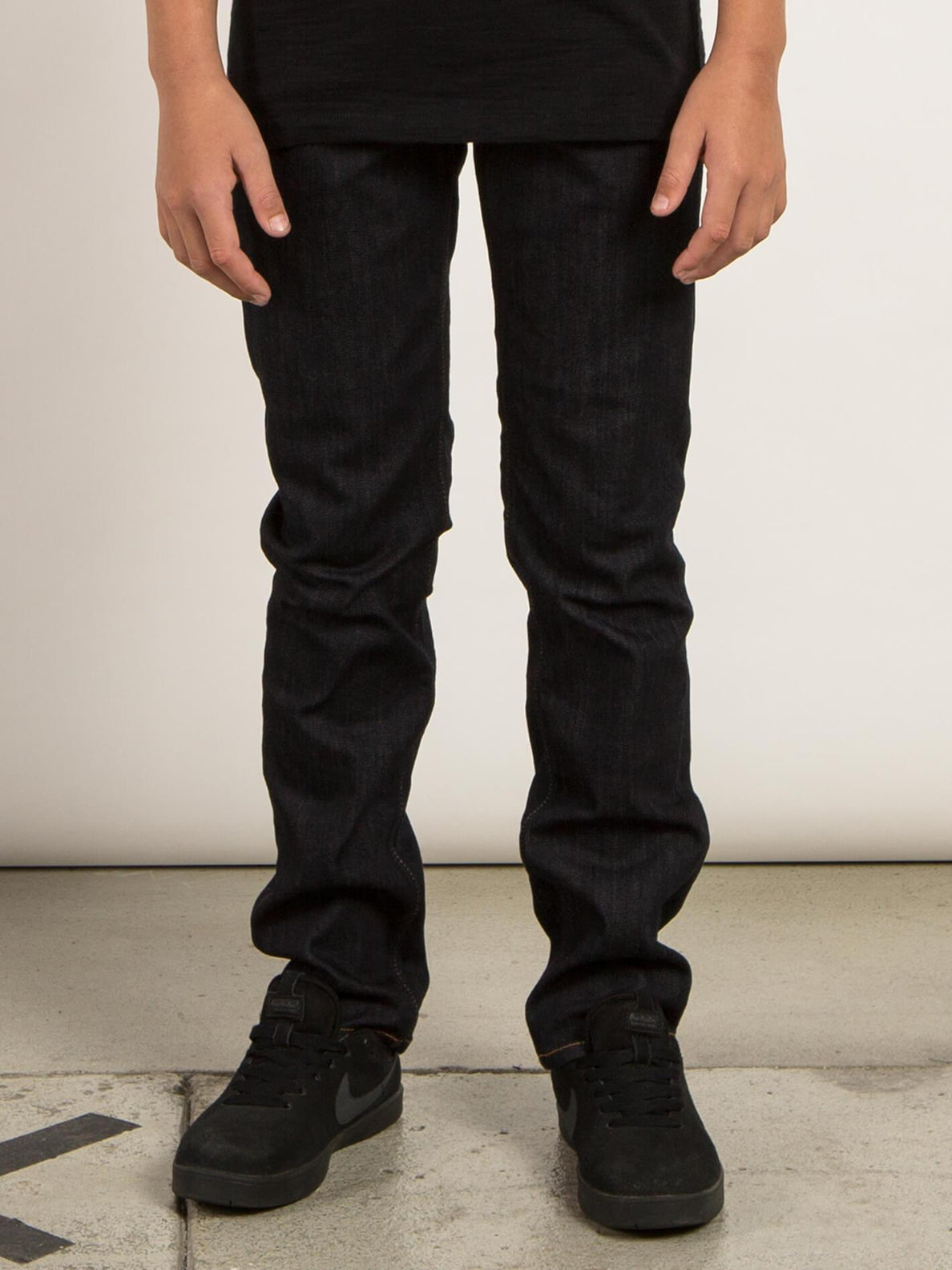 Big Boys Solver Modern Tapered Jeans In Rinse, Front View