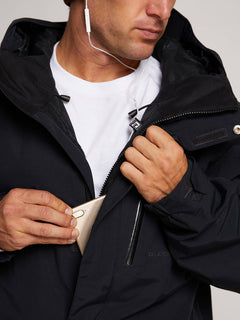 L Insulated Gore-tex Jacket In Black, Fourth Alternate View