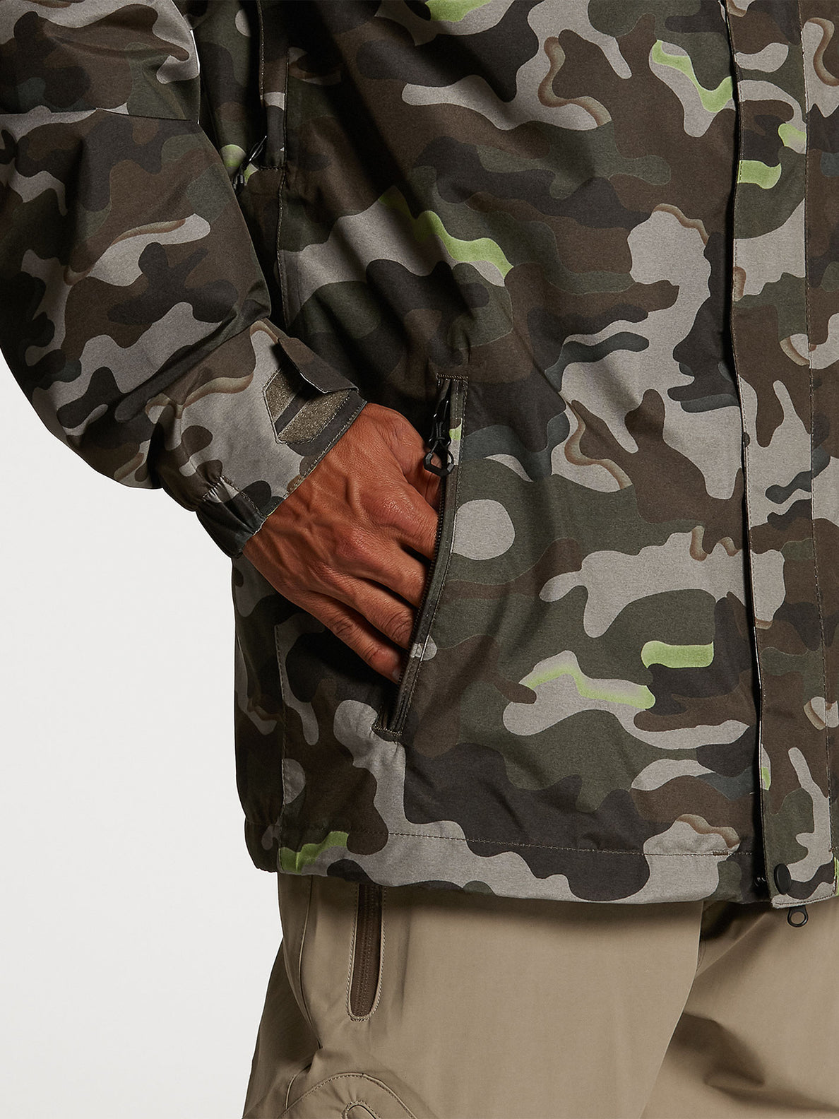 Mens L Insulated GORE-TEX Jacket - Army (G0452103_ARM) [06]