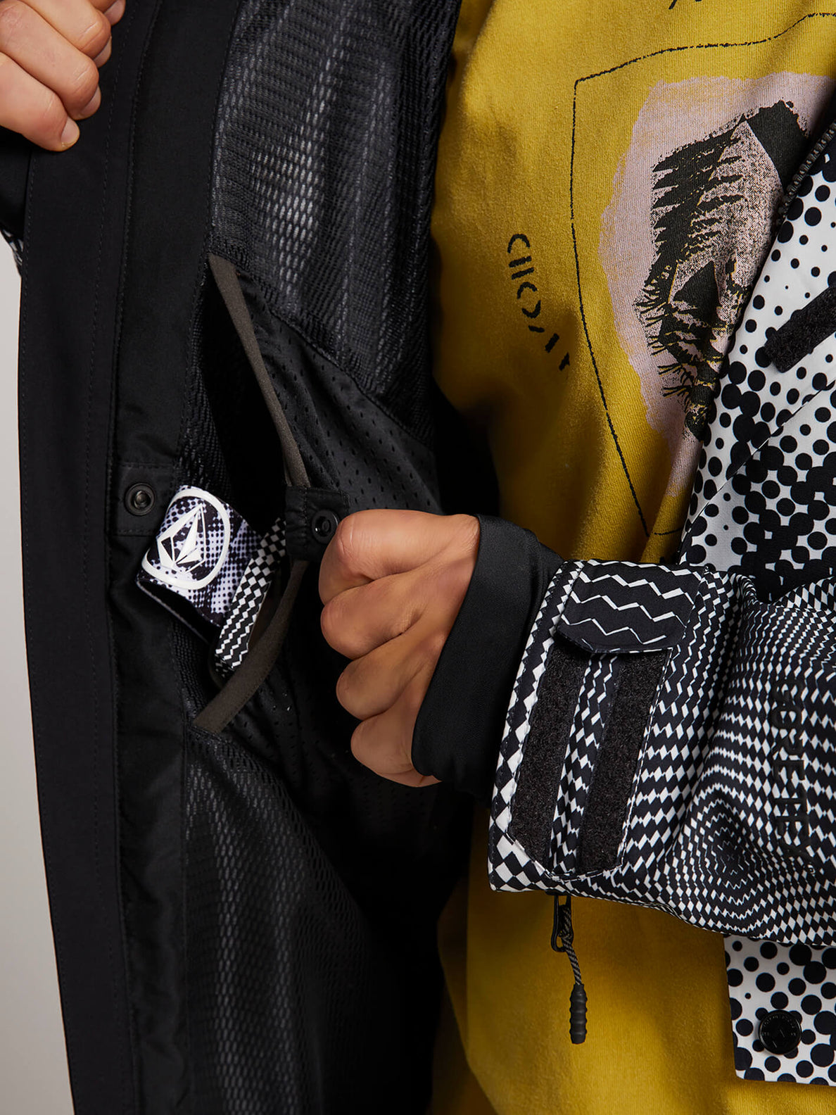 Bl Stretch Gore-tex Jacket In Black White, Sixth Alternate View