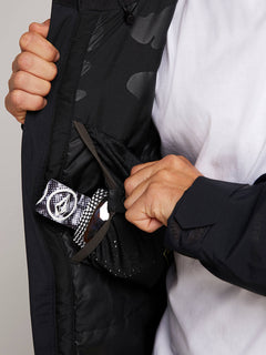 L Gore-tex Jacket In Black, Fourth Alternate View