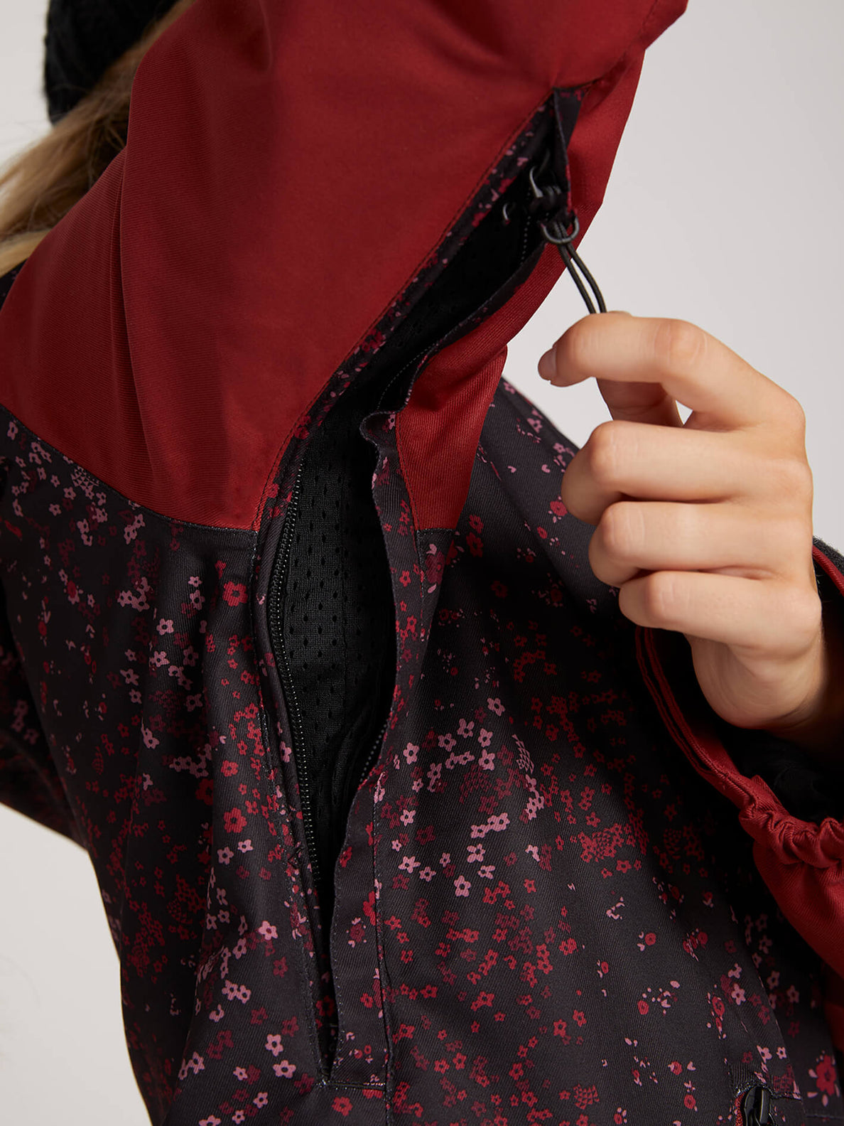 Meadow Insulated Jacket In Black Floral Print, Fourth Alternate View