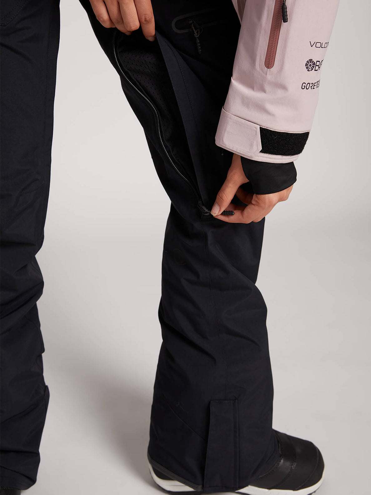 Knox Insulated Gore-tex Pant In Black, Fourth Alternate View