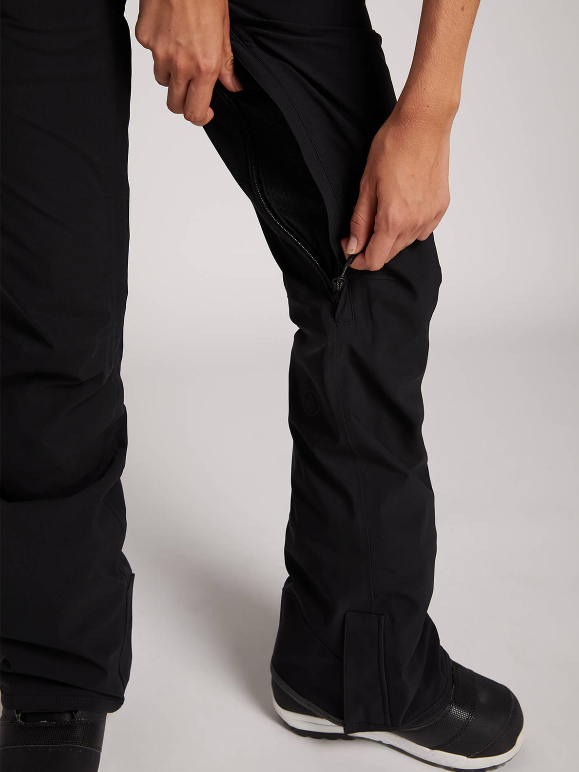 Flor Stretch Gore-tex Pant In Black, Third Alternate View