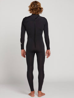 Deadly Stone 3.2Mm Wetsuit In Black, Back View