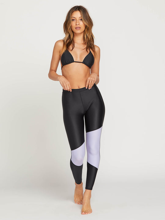 Simply Solid Leggings In Violet, Front View