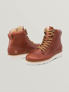 Smithington Ii Boots In Rust, Front View
