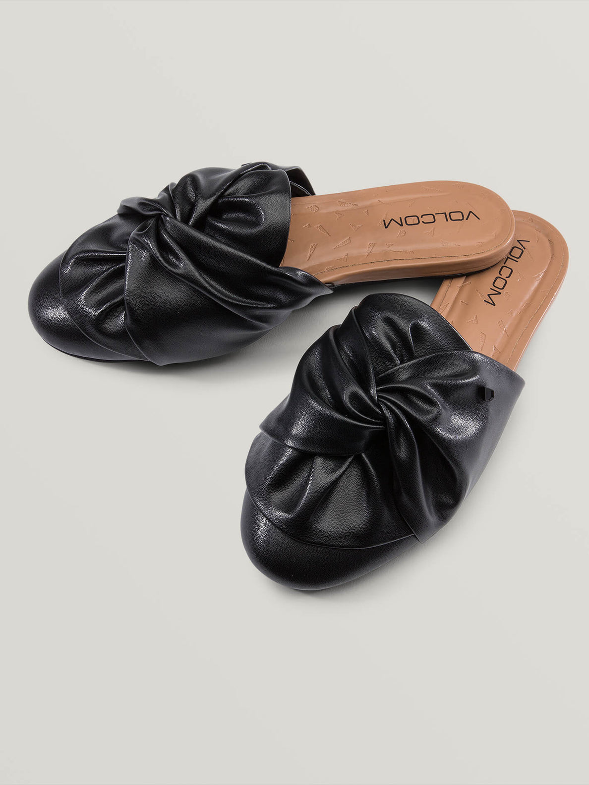 Vamanos Sandals In Black, Front View