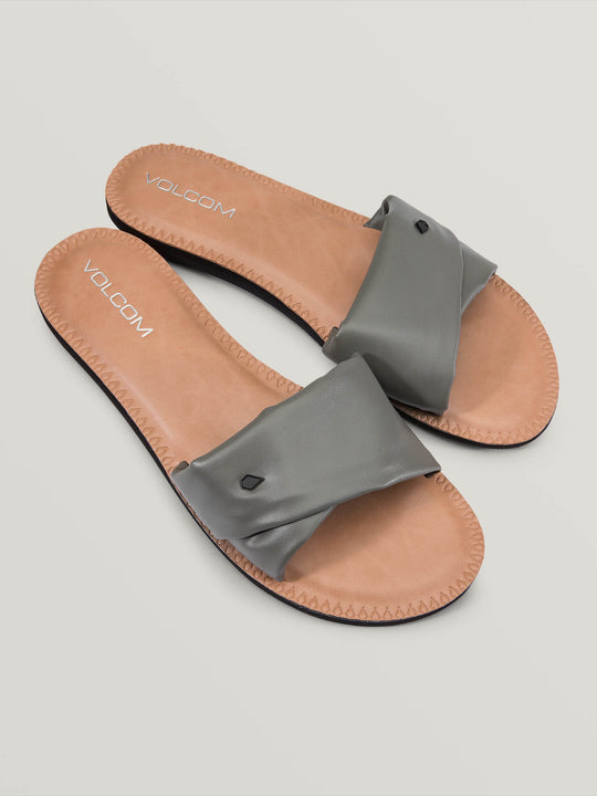Hawthorne Sandals In Army Green Combo, Front View