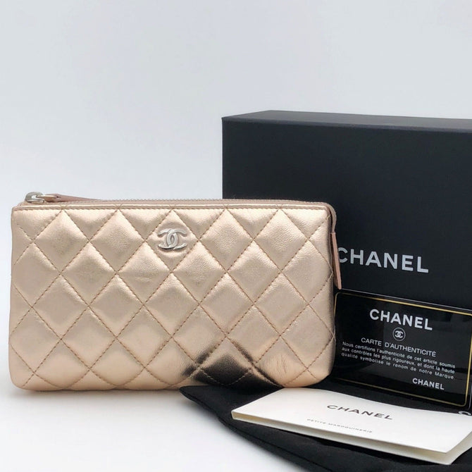 NEW Chanel VIP CC Logo Rose Gold Quilted Leather Wallet Purse Makeup Clutch Bag