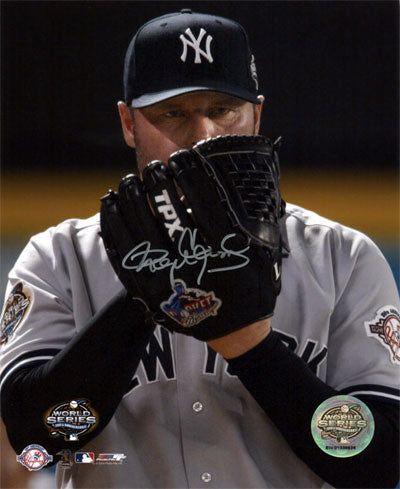 NY Yankees Pitching Glove Up