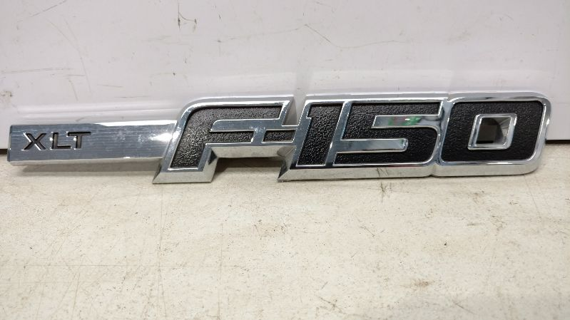 2011 FORD F150 PICKUP TRUCK King Series Trucks Parts Accessories BODY PARTS MISC. FORD F150 EMBLEM 4 DR XLT 4X4 PM 199.FD8611