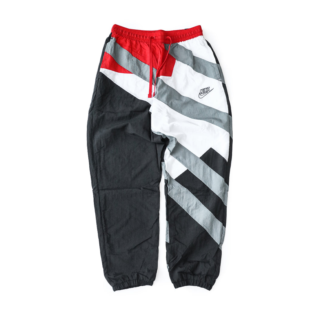 Nike Throwback Joggers (Black/Smoke Grey/University Red-White)