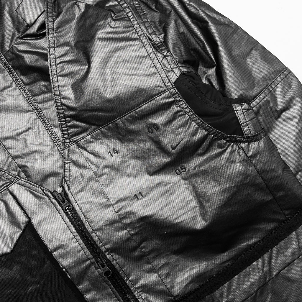 Nike Sportswear Tech Pack Synthetic-Fill Jacket (Metallic Silver/Black-Reflective Silver)