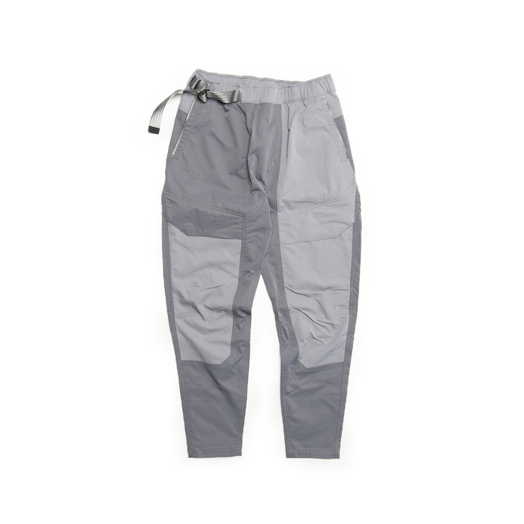 Nike Sportswear Tech Pack Pants (Smoke Grey/Particle Grey-Black)